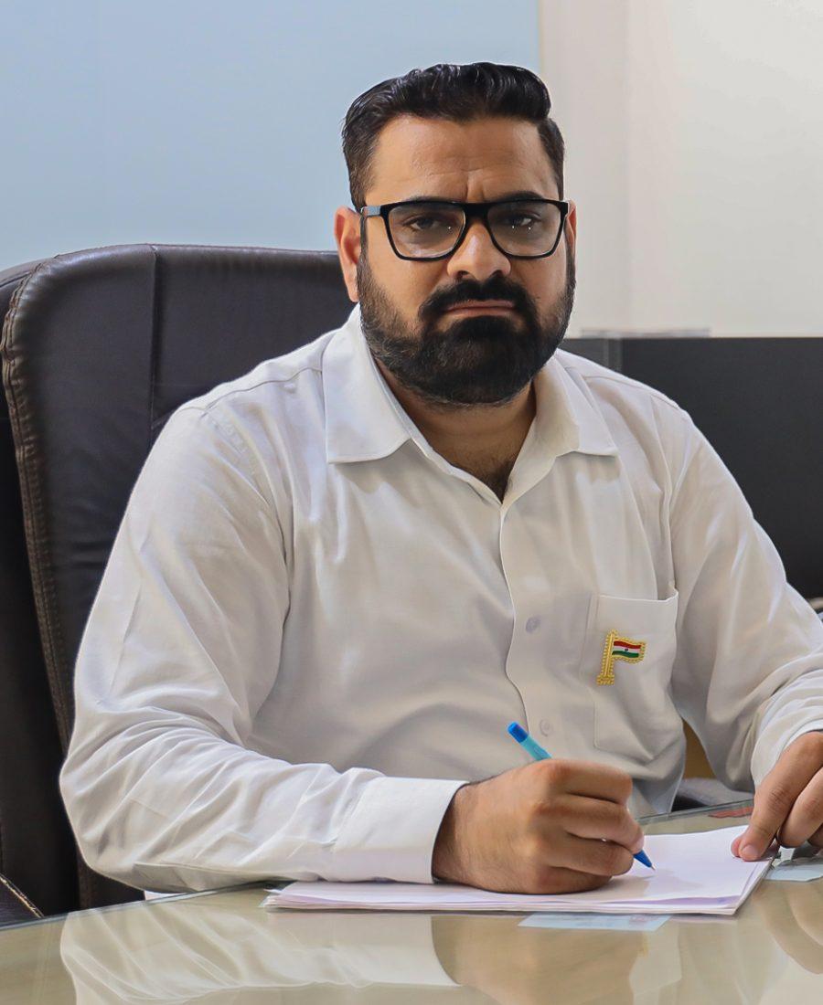 Dr. Nitin Thapar, RIMT University
